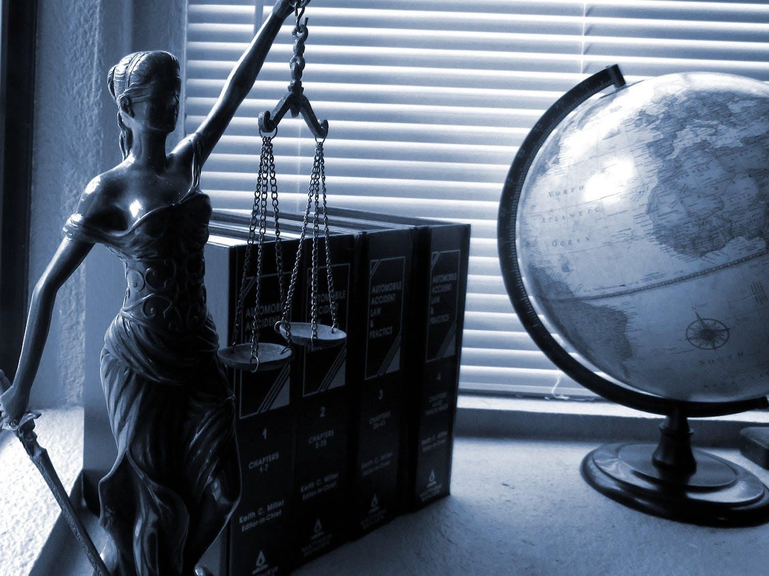 Anwalt Gesetz Recht