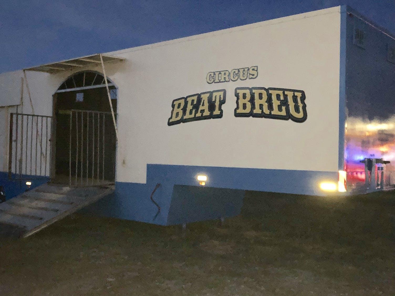 Circus Beat Breu