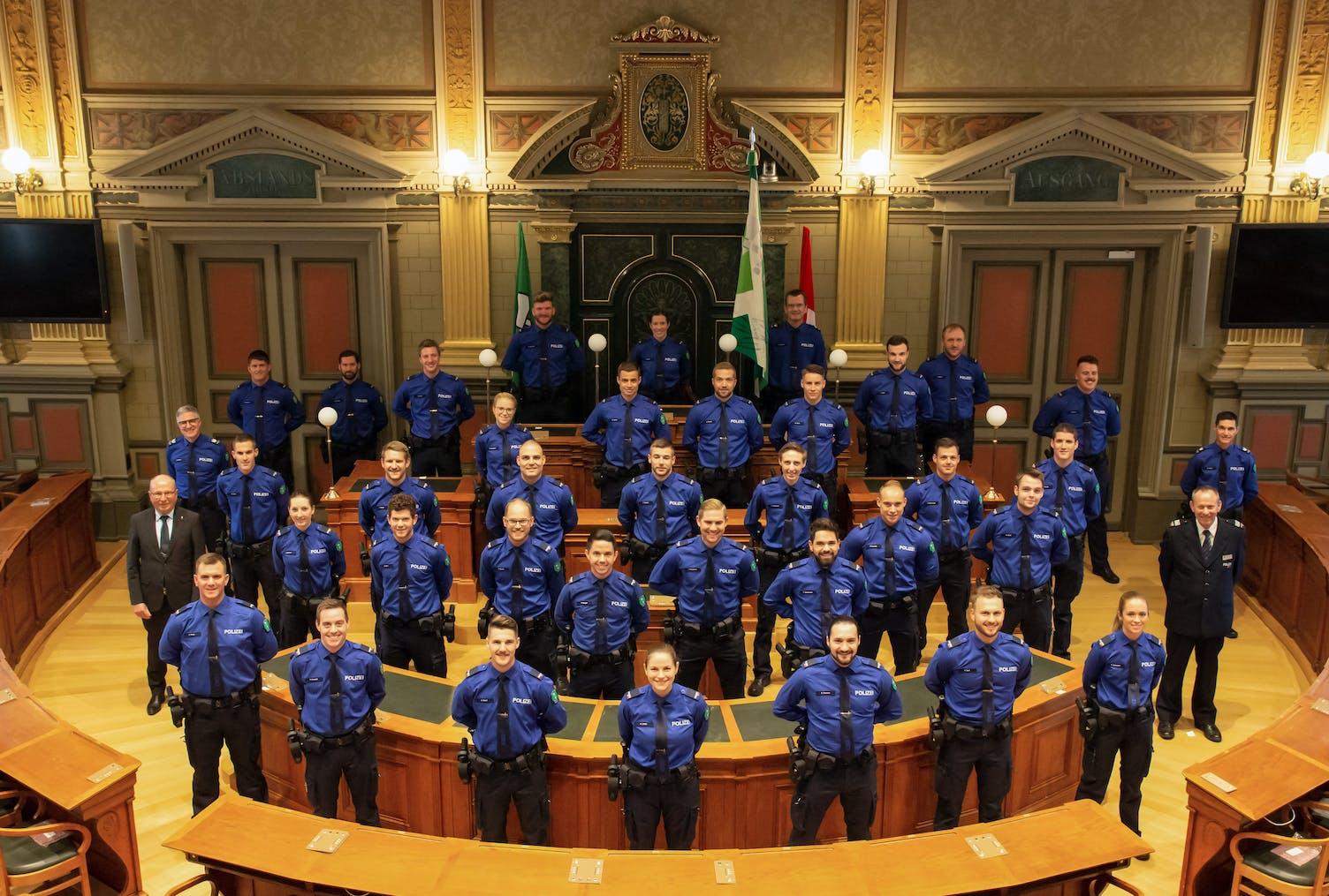 34 Polizeiangehorige Ins Korps Der Kapo Aufgenommen Die Ostschweiz