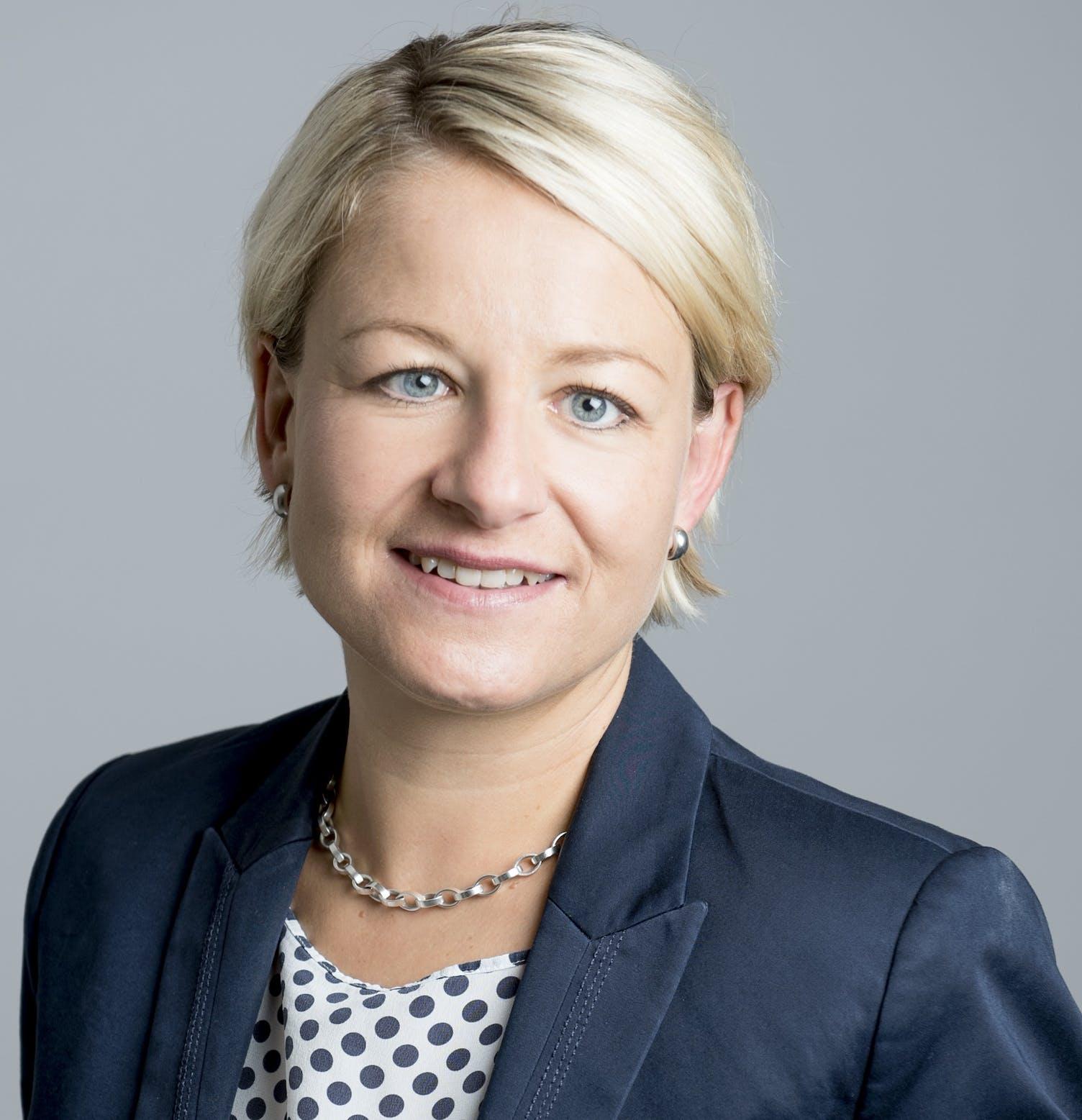 Christine Bolt