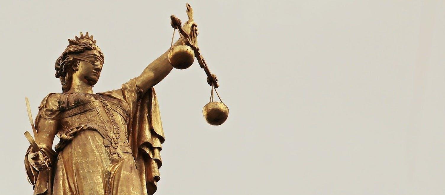 Gericht Gesetz