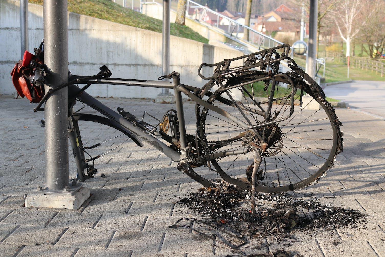 Verbranntes Fahrrad