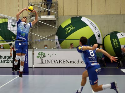 LINDAREN Volley